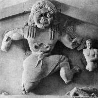 Медуза. Рельеф фронтона храма Артемиды на острове Корфу. Известняк. Около 590 г. до н. э. Корфу. Музей