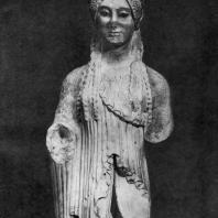 Кора с Акрополя в Афинах. Мрамор. Конец 6 в. до н. э. Афины. Музей Акрополя