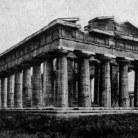 Храм Посейдона в Пестуме (южная Италия). Вторая четверть 5 в. до н. э.