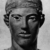 Дельфийский возничий. Голова. Около 470 г. до н. э. Дельфы. Музей