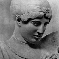 Дейдамия с западного фронтона храма Зевса в Олимпии. Голова. Мрамор. 460—450 гг. до н. э. Олимпия. Музей