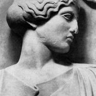 Голова Афины. Фрагмент метопы храма Зевса в Олимпии