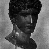 Голова эфеба. Бронза. Третья четверть 5 в. до н. э. Париж. Лувр