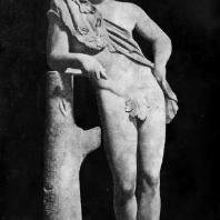 Пракситель. Отдыхающий сатир. Середина 4 в. до н. э. Мраморная римская копия с утраченного оригинала. Рим. Капитолийский музей