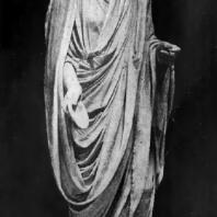 Статуя римлянина, совершающего возлияние. Мрамор. 1 в. до н. э. Рим. Ватикан