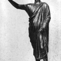 Статуя оратора (так называемый Авл Метелл). Бронза. Около 100 г. до н. э. Флоренция. Археологический музей