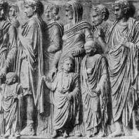 Рельеф с Алтаря мира Августа. Мрамор. 13—9 гг. до н. э. Флоренция. Уффици