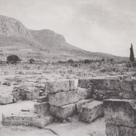 Вид на Акрокоринф с агоры. Фото: Анджей Дзевановский
