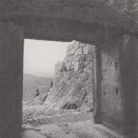 Микены. Окрестность, вид из львиных ворот. Фото: Анджей Дзевановский