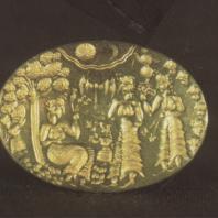 Микены. Золотое кольцо с изображением, по-видимому, культовой сцены. XIII в. до н.э. Национальный музей в Афинах. Фото: Анджей Дзевановский