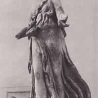 Эпидавр. Ника, один из акротериев святилища Артемиды, конец IV в. до н.э. Национальный музей в Афинах. Фото: Анджей Дзевановский