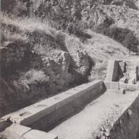 Дельфы. Монумент Даоха (около 336 г. до н.э.). Вид с юго-запада