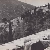 Дельфы. Храм Аполлона, вид в юго-западном направлении