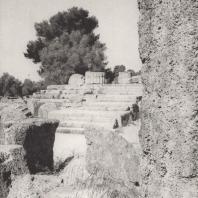 Олимпия. Храм Зевса. Лестница, ведущая в пронаос. Фото: Анджей Дзевановский