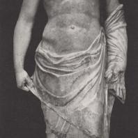 Храм Зевса. Статуя Зевса, стоявшая посередине восточного фронтона. Музей в Олимпии. Фото: Немецкий археологический институт в Афинах