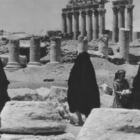 Пальмира. Центральная часть Большой колоннады вблизи театра