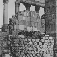 Пальмира. Арабский бастион, построенный из барабанов колонн при внешних воротах округи храма Бела