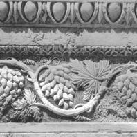 Пальмира. Фрагмент декора в виде виноградной лозы, I век. Храм Бела