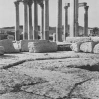 Пальмира. Термы Диоклетиана, в глубине храм Баальшамины, вид с юга