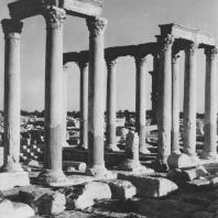 Пальмира. Термы Диоклетиана, перистиль у бассейна, III век