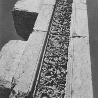 Пальмира. Фрагмент декорированного столба так называемого Надгробного храма, начало III века