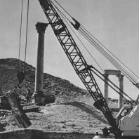 Пальмира. Переноска блоков из так называемого Храма знамён. Польские археологические раскопки 1965 г.