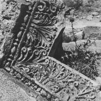 Пальмира. Одна из угловых частей с архитектурной декорацией из так называемого Храма знамён