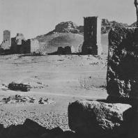 Пальмира. Комплекс башенных гробниц, на первом плане башня Ямлиха конца I века