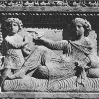Пальмира. Рельеф, изображающий умершего на смертном одре и его слугу. Начало III века. Польские археологические раскопки 1963 г.