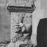 Пальмира. Алтарь «безымянного бога» — ладонь, держащая молнию. 233 год н.э. Польские археологические раскопки 1963 г.