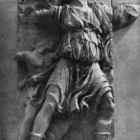 Алтарь Зевса в Пергаме. Правое крыло большого фриза. Дионис, бог виноделия, с сатирами и пантерой