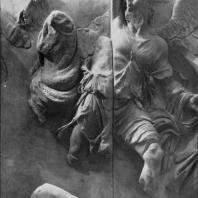 Алтарь Зевса в Пергаме. Южная сторона большого фриза. Уран, бог неба, в борьбе с гигантом