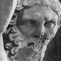 Алтарь Зевса в Пергаме. Южная сторона большого фриза. Уран (деталь)