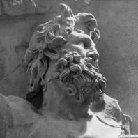 Алтарь Зевса в Пергаме. Восточная сторона большого фриза. Гигант Клитий (деталь)