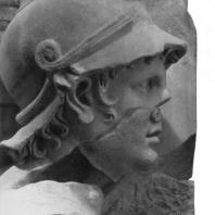 Алтарь Зевса в Пергаме. Восточная сторона большого фриза. Гигант Отое (деталь)