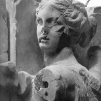 Алтарь Зевса в Пергаме. Восточная сторона большого фриза. Артемида (деталь)
