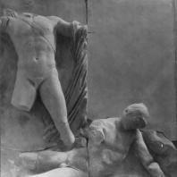 Алтарь Зевса в Пергаме. Восточная сторона большого фриза. Аполлон и гигант Эфиальт