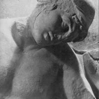 Алтарь Зевса в Пергаме. Восточная сторона большого фриза. Гигант Эфиальт (деталь), раненный в глаз стрелой Аполлона