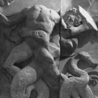 Алтарь Зевса в Пергаме. Северная сторона большого фриза. Кастор, брат Полидевка, и гигант Идант, обхвативший руками Кастора