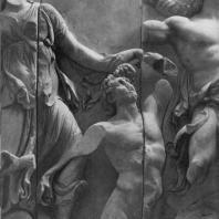Алтарь Зевса в Пергаме. Левое крыло большого фриза. Дорида, схватившая гиганта за волосы