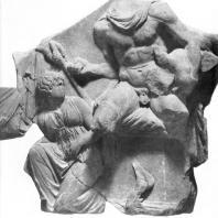 Алтарь Зевса в Пергаме. Части малого фриза или фриза Телефа. Телеф с ребенком Орестом на алтаре
