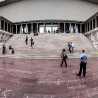 Алтарь Зевса в Пергаме. Фото: StudioMde