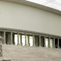 Алтарь Зевса в Пергаме. Фото: Woesinger